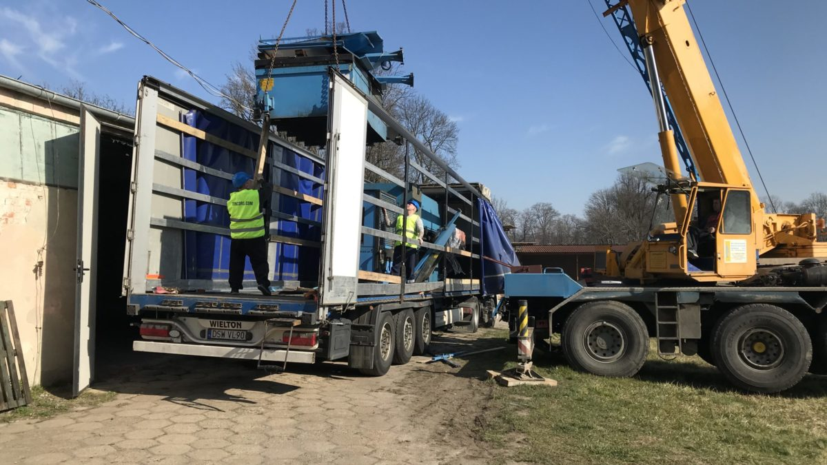 Unloading the industrial laser in Trzebnica