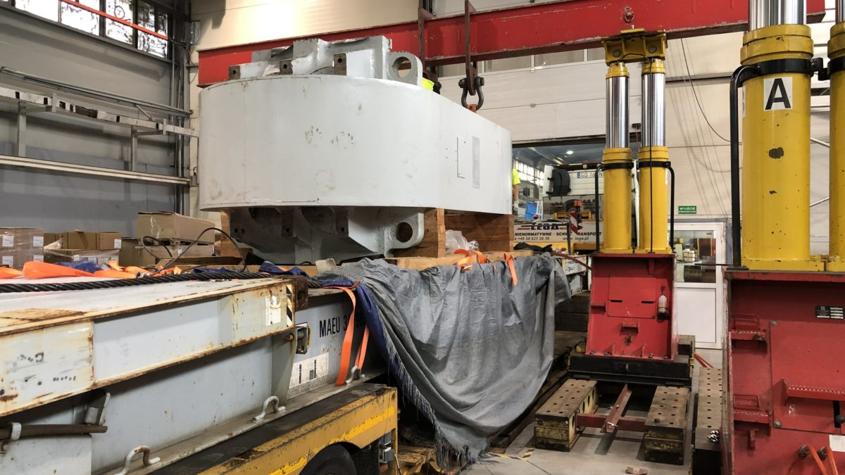Unloading and assembly of the hydraulic press in Nowy Dwór Gdański